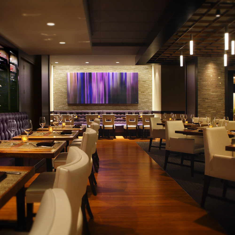 720 South Bar & Grill