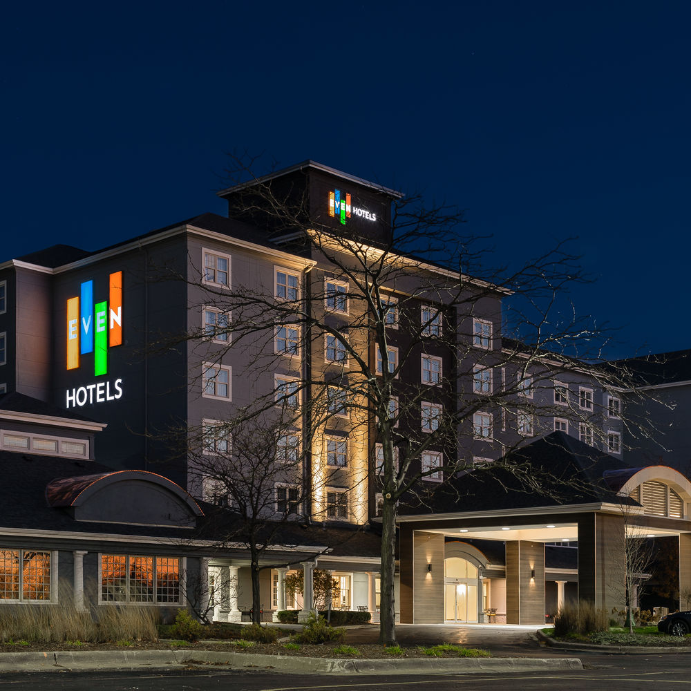 EVEN Hotel & Tinley Park Convention Center
